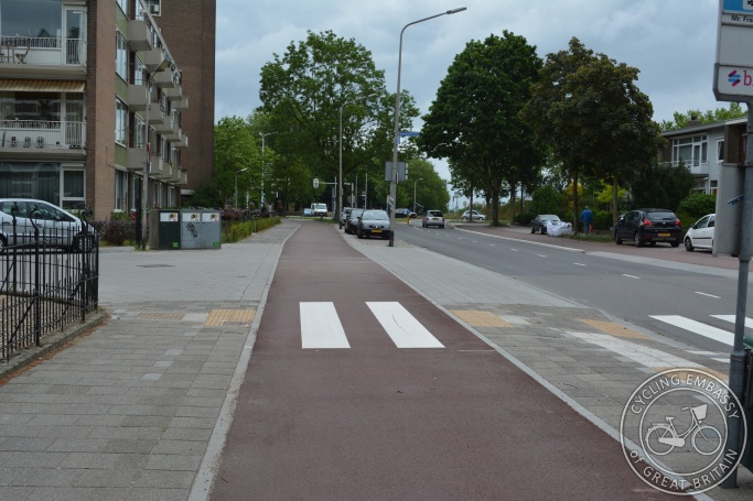 Cycleway side road priority with zebra crossing Nijmegen