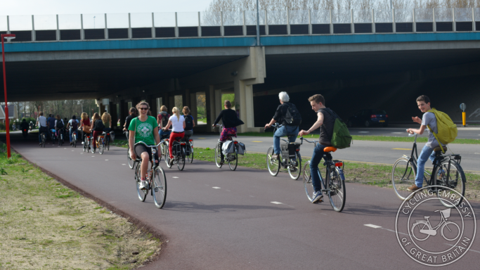 Wide cycle path Utrecht