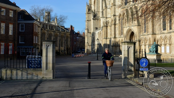 Cycle route York minster