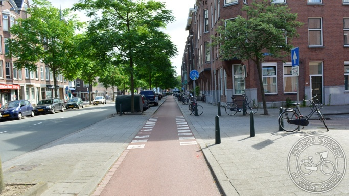 Cycleway priority side road design Rotterdam