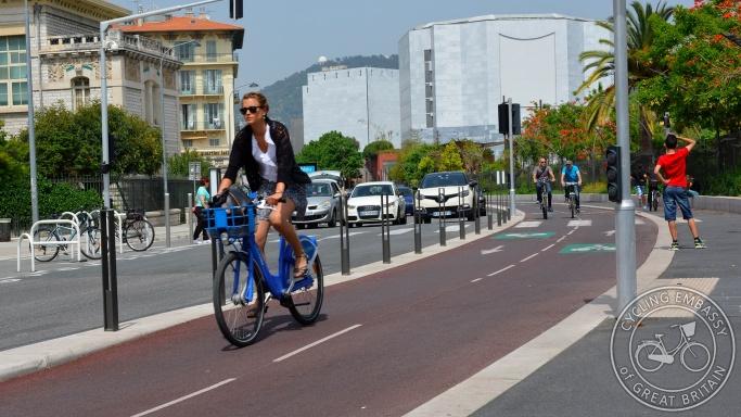 Bi-directional cycleway Nice