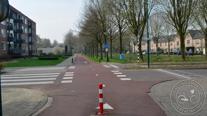 Cycleway priority crossing Veenendaal