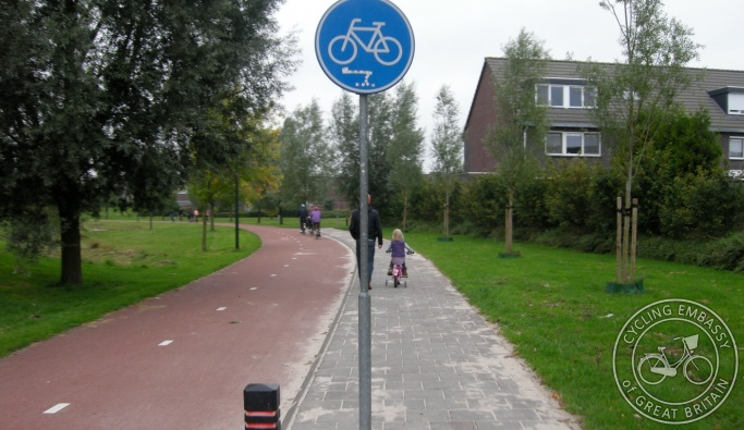 Cycle path with footway Assen