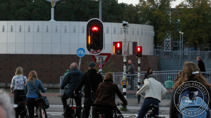 Cycle and pedestrian countdown lights Groningen