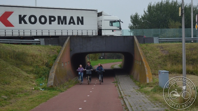 Turbo roundabout underpass cycle path Zoetermeer