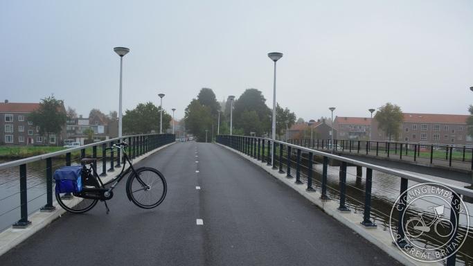 Cyclepath bridge Gouda