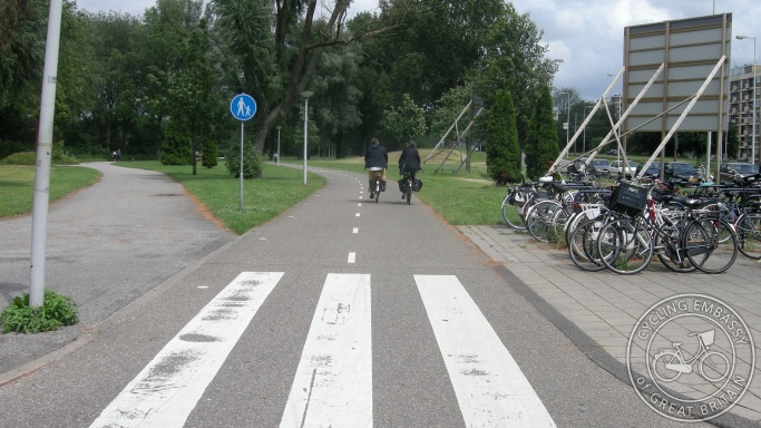 Cycle path separate footway Meer en Vaart Amsterdam