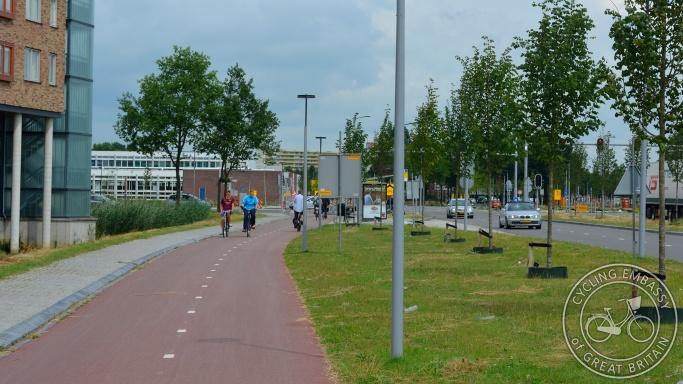 Bi-directional cycleway Assen NL