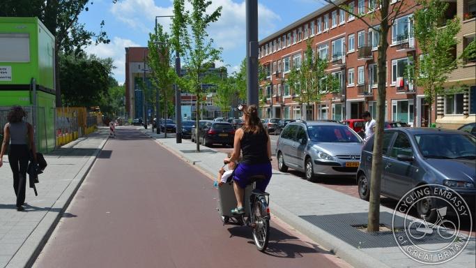Bi-directional cycleway Stationsingel Rotterdam