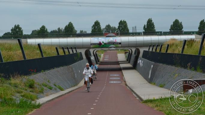 Cycle underpass Rijnwaalpad Elst Nijmegen