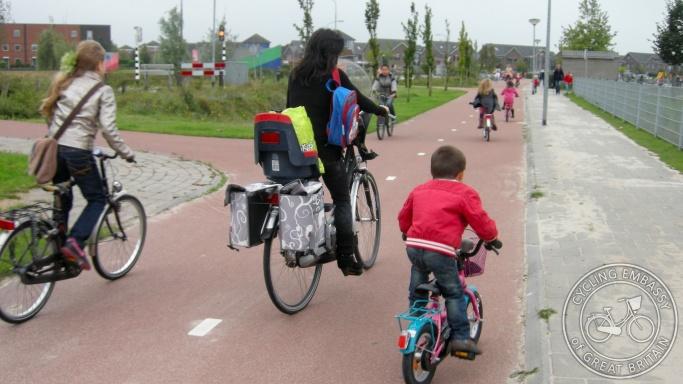 Bi-directional cycleway, Kloosterveen, Assen