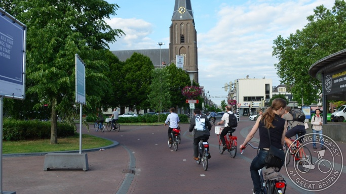 Bi-directional cycleways, city centre, Arnhem, NL