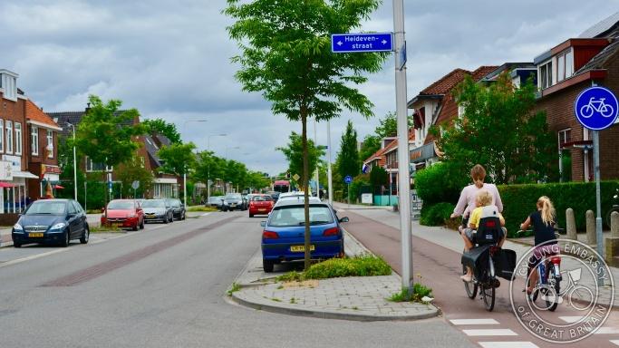 Parking-protected cycleway, Nijmegen, NL