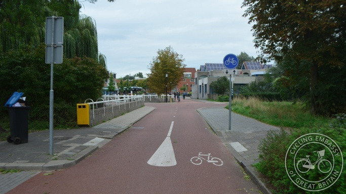 Cycle path, Lunetten, Utrecht, NL