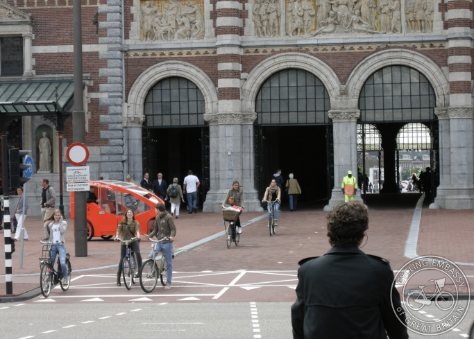 Cyclepath running through Rijksmuseum, Amsterdam, NL