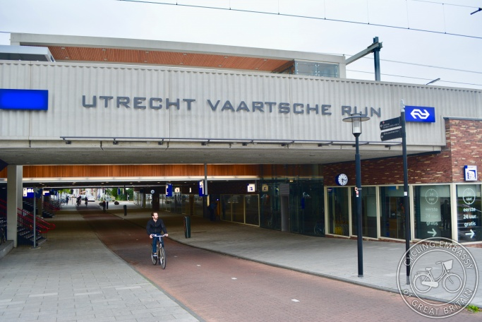 Utrecht Vaartsche Rijn cycling and walking underpass
