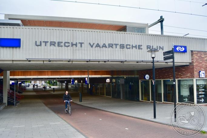 Utrecht Vaartsche Rijn cycling and walking underpass