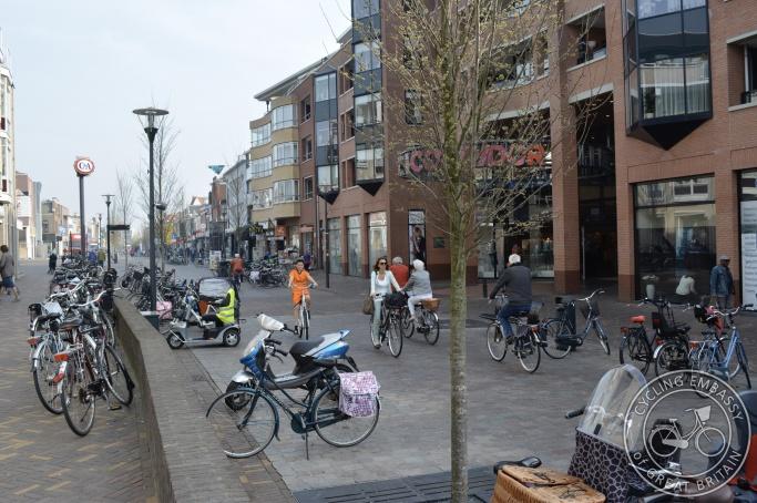 low motor traffic street, Veenendaal, NL