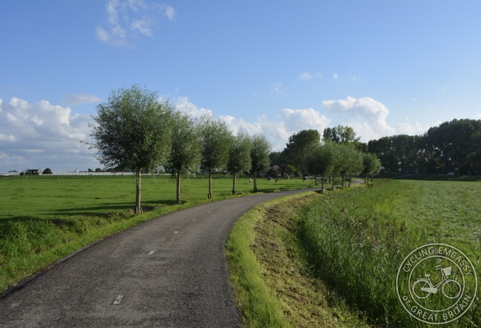 Rural cycle path, Delft, NL