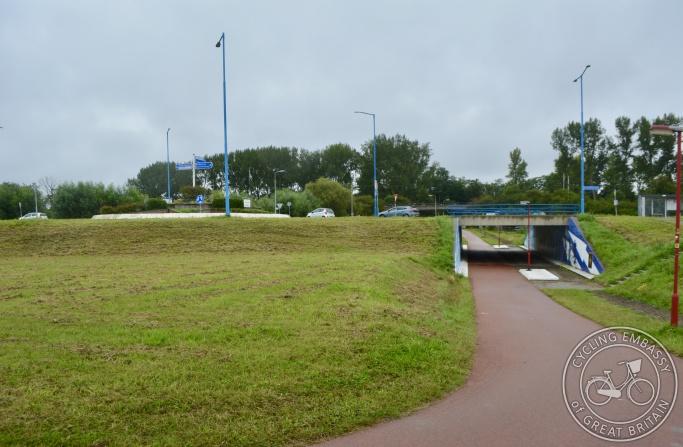 Cycle underbridge, Zoetermeer, NL