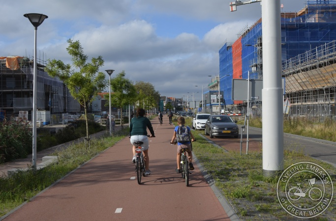 Bi-directional protected cycleway, Delft, NL