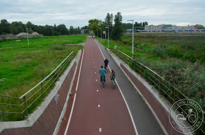 Cycle path passing under railway line, with street lighting - Lunetten, Utrecht