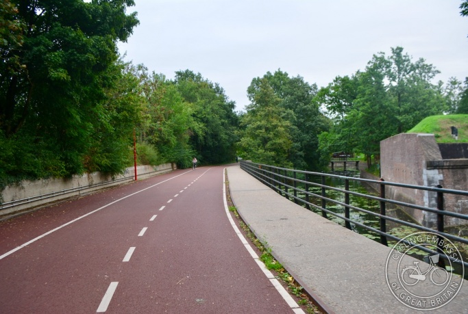 Cycle path, Beatrixpark, Utrecht, The Netherlands