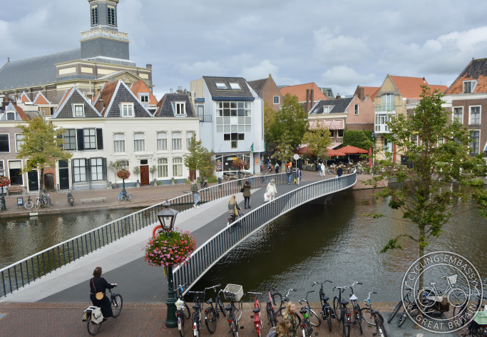 Catharinabrug walking and cycling bridge, Leiden city centre
