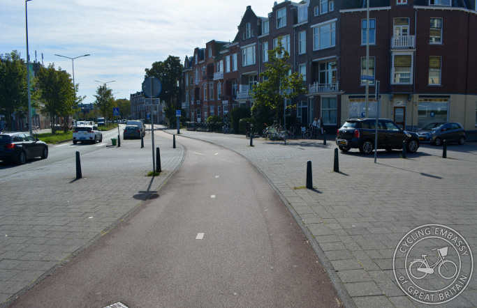 Cycleway with clear priority across side road, The Hague, The Netherlands
