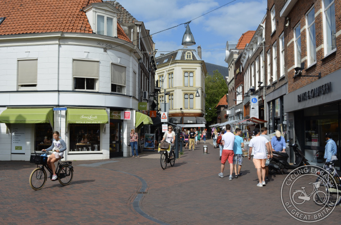 Pedestrianised city centre with permitted cycling, Zwolle