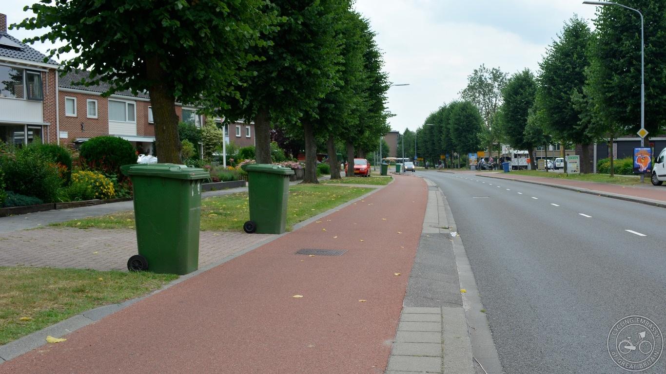 Driveway cycleway crossing.jpg
