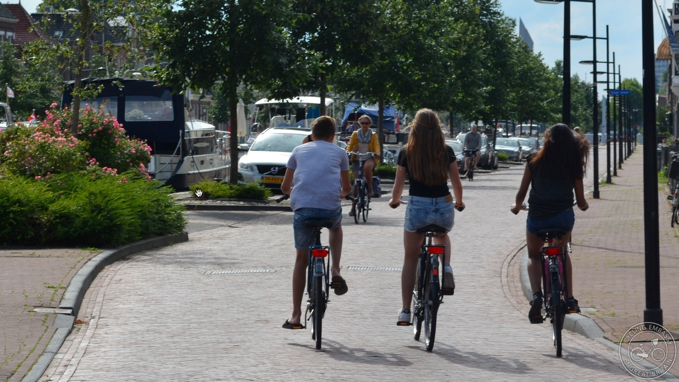 Assen kids cycle street