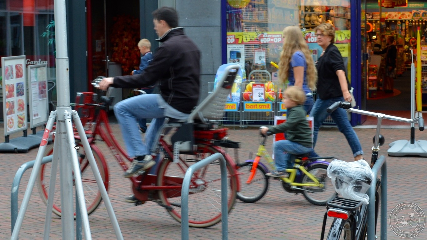 Dad and son cycling Hoogeveen