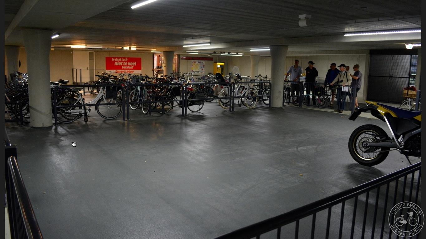 Cycle and motorbike parking new development Assen