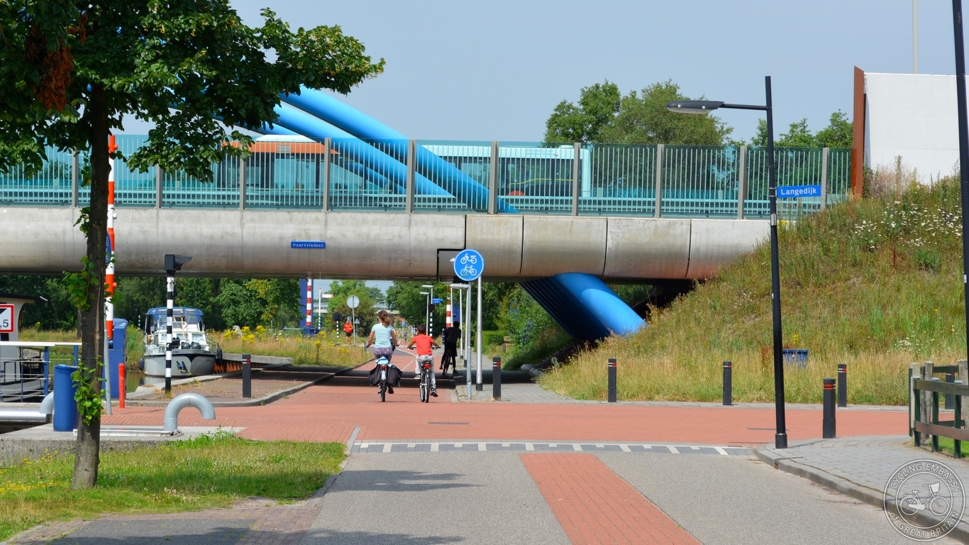 Unravelled cycle route Assen NL