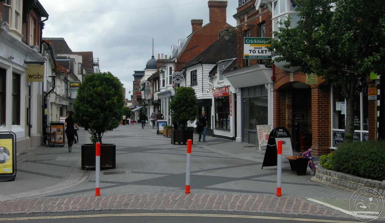 Reflective bollards with appropriate spacing