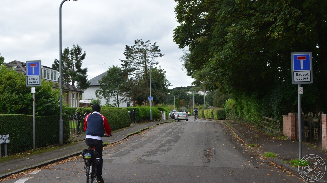Bearsden 'Dead End Except Cycles'