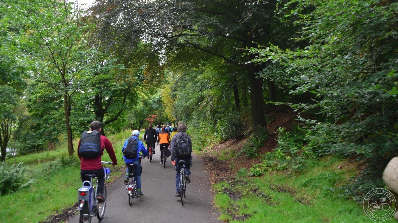 Glasgow university campus path